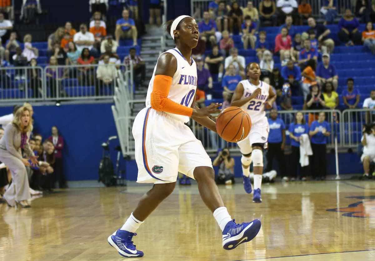 Gators junior guard Jaterra Bonds scored a game-best 15 points, including 11 in the second half, against Alabama to help Florida snap a three-game losing streak. / Gator Country photo by Curtiss Bryant