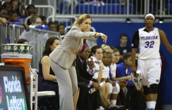 Florida Gators women's basketball defeats Arkansas