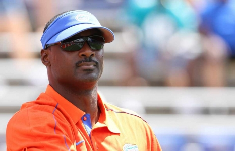 Jackson sticking with the Florida Gators