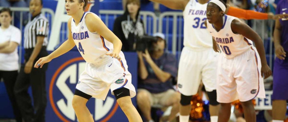 Florida Gators women's basketball defeats Arkansas