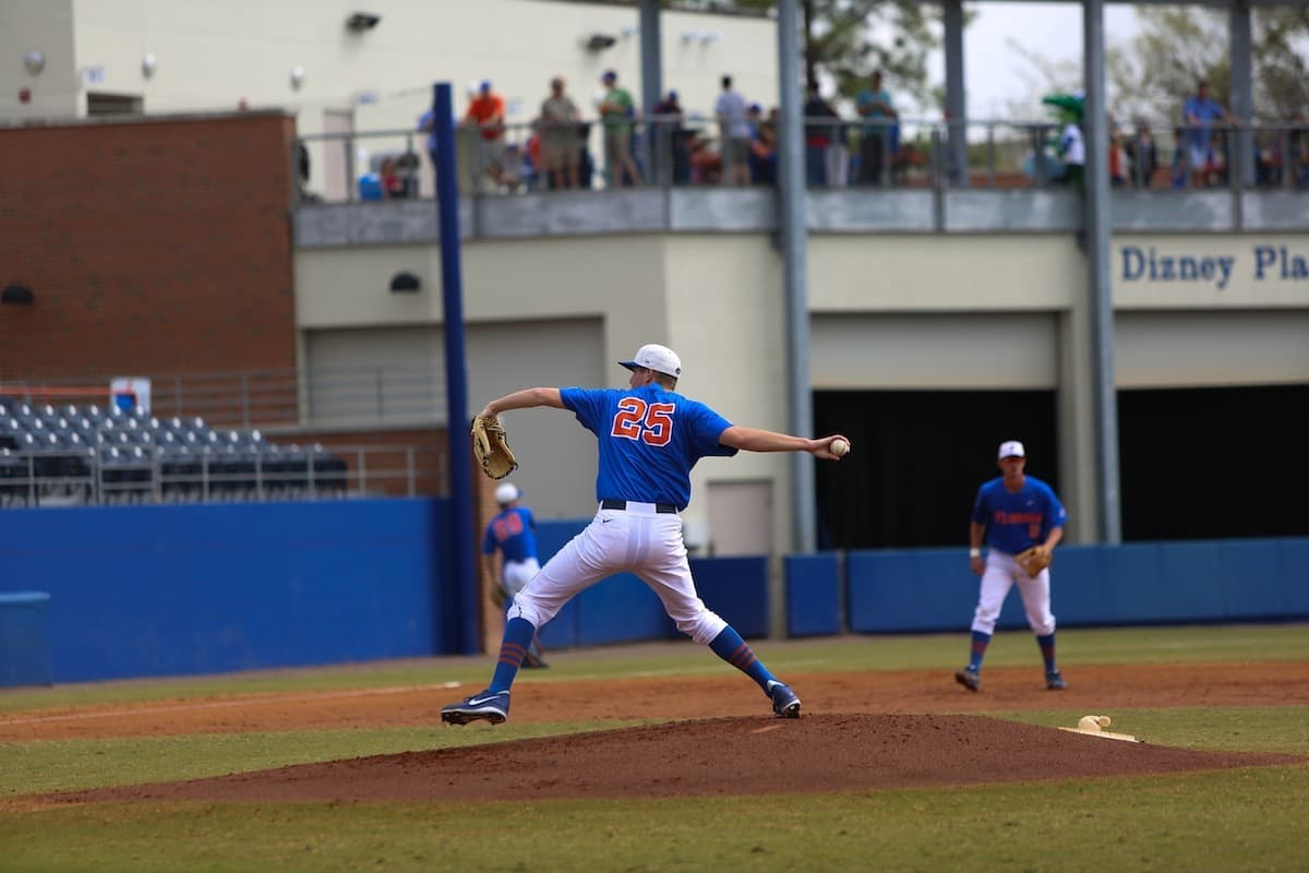 Hanhold_Eric_WesHall_03172013_Florida_Gators_Baseball