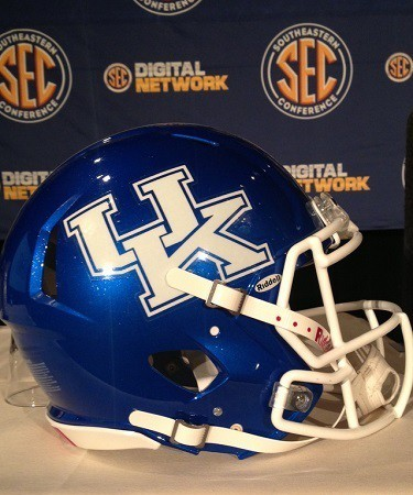 Mark Stoops will have to try hard to bring the Wildcats back to glory.