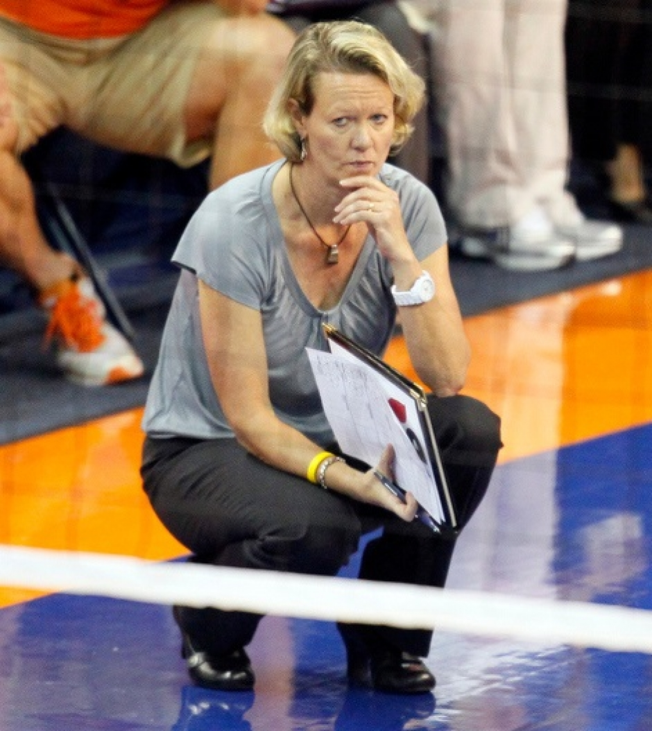 Florida Gators volleyball coach Mary Wise- Florida Gators Volleyball-471x528