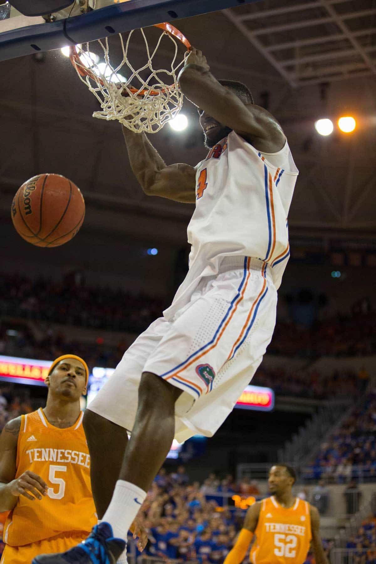 Jan 25, 2014; Gainesville, FL, USA; Florida Gators center Patric Young (4) dunks the ball during the game against the Tennessee Volunteers at the Stephen C. O'Connell Center. Photo: Rob Foldy-USA TODAY Sports