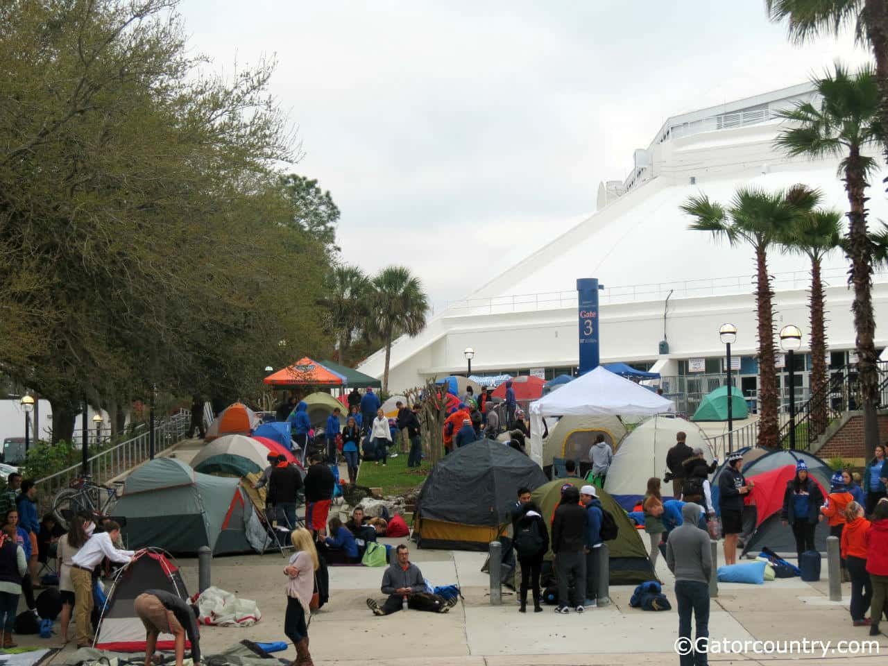 18 hours before the game many students were already in position to campout.
