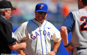 Gators walk off with weekend sweep