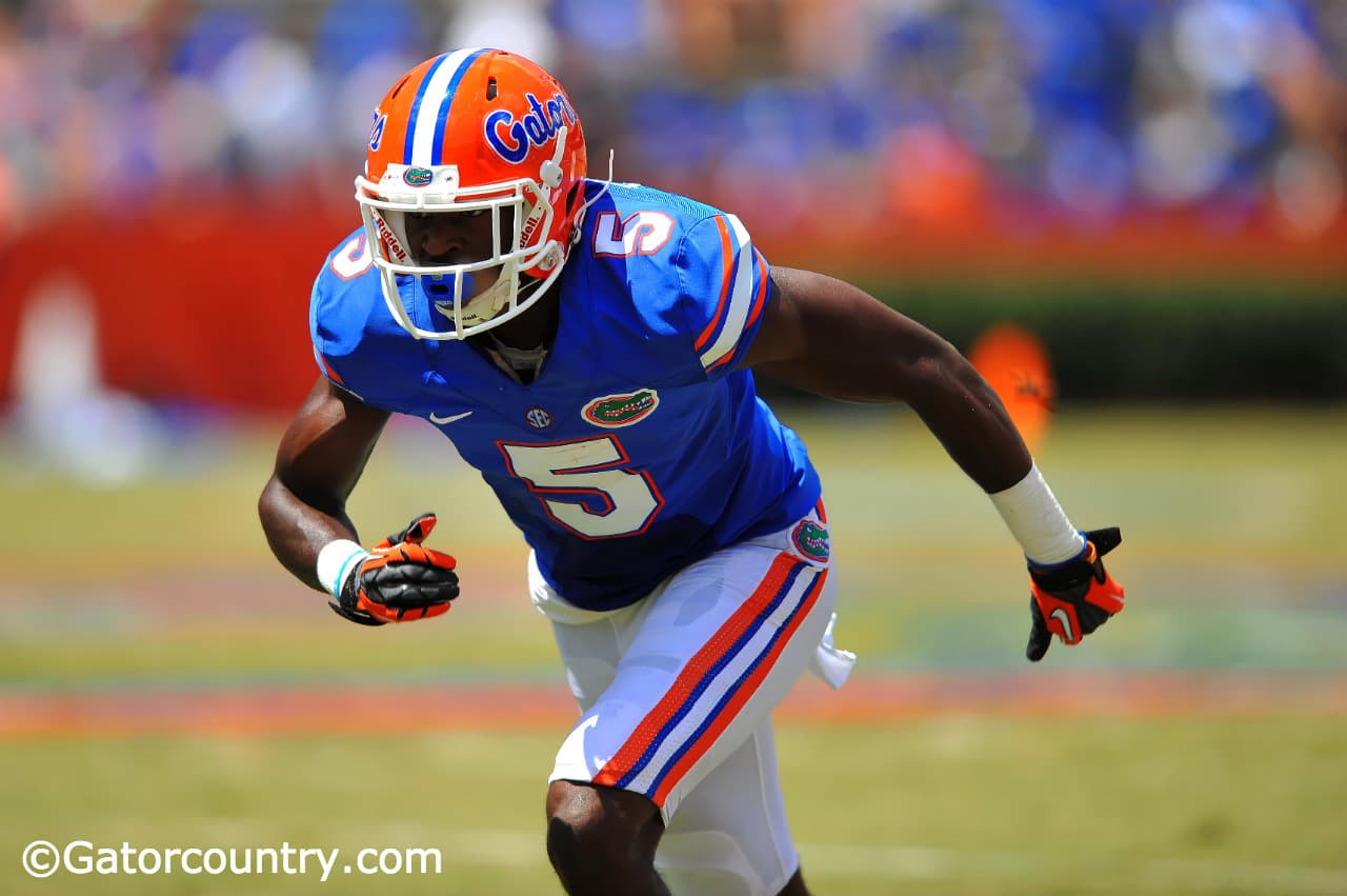Ahmad Fulwood running a route during the Orange and Blue Debut.