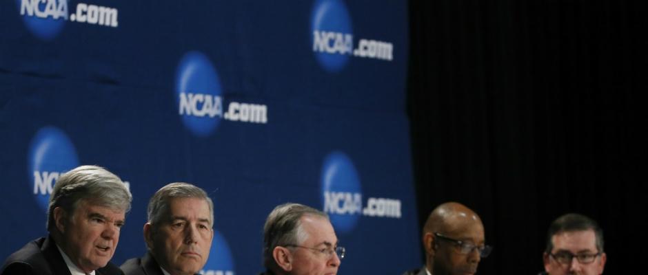 Emmert, NCAA brass speak at Final Four
