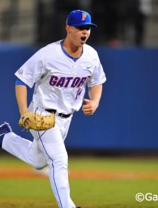 Gators throttle Gamecocks, advance in SEC tournament