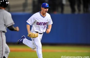 Gators throttle Gamecocks, advance in SEC tournament