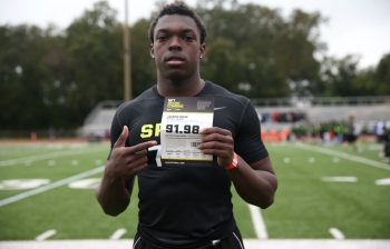 Jacksonville prospect runs a 4.38 forty at camp