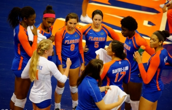 Florida Gators Volleyball sweeps Arkansas