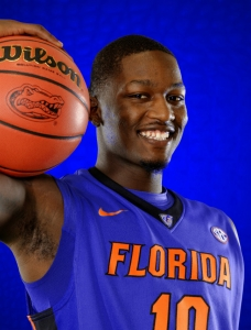 Dorian Finney-Smith to return to Florida Gators
