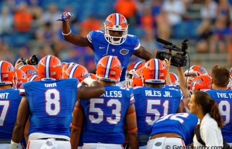 Florida Gators anchor down, sing a different tune