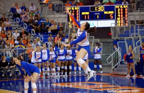 Florida Gators Volleyball sweeps South Carolina