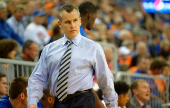 Florida Gators basketball: Rebels edge Gators 72-71