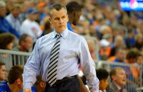 Florida Gators basketball: Rebels edge Gators 72-71