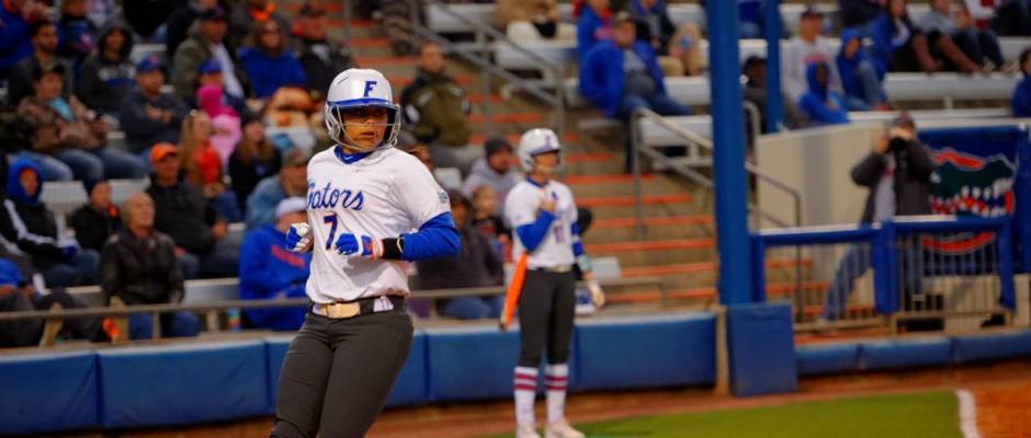 Gators stay perfect with a walk-off win