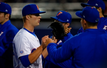 Florida Gators split double header with Alabama