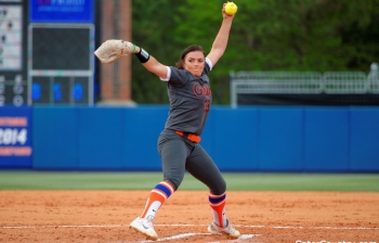 Gourley throws a no-hitter for Florida Gators softball