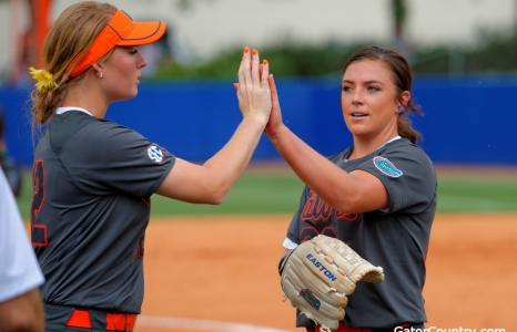 Florida Gators Softball Wins Game 1 Over Tigers 7-6