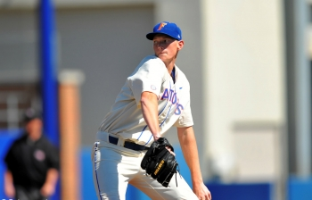 Puk plows past Bulls, Florida Gators win 8-2