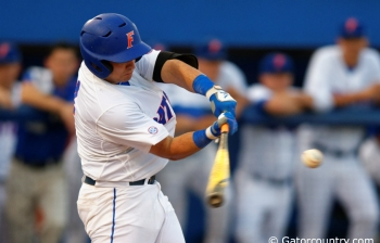 Florida Gators baseball defeat Auburn in season finale, 3-1