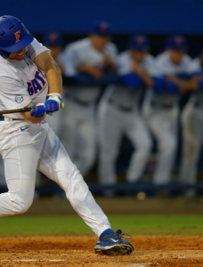Florida Gators battle back to take series over Georgia