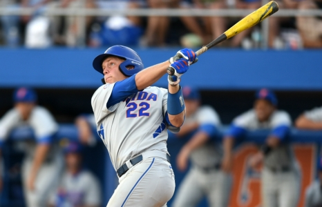 Schwarz's historic slugging carrying Florida Gators to Omaha