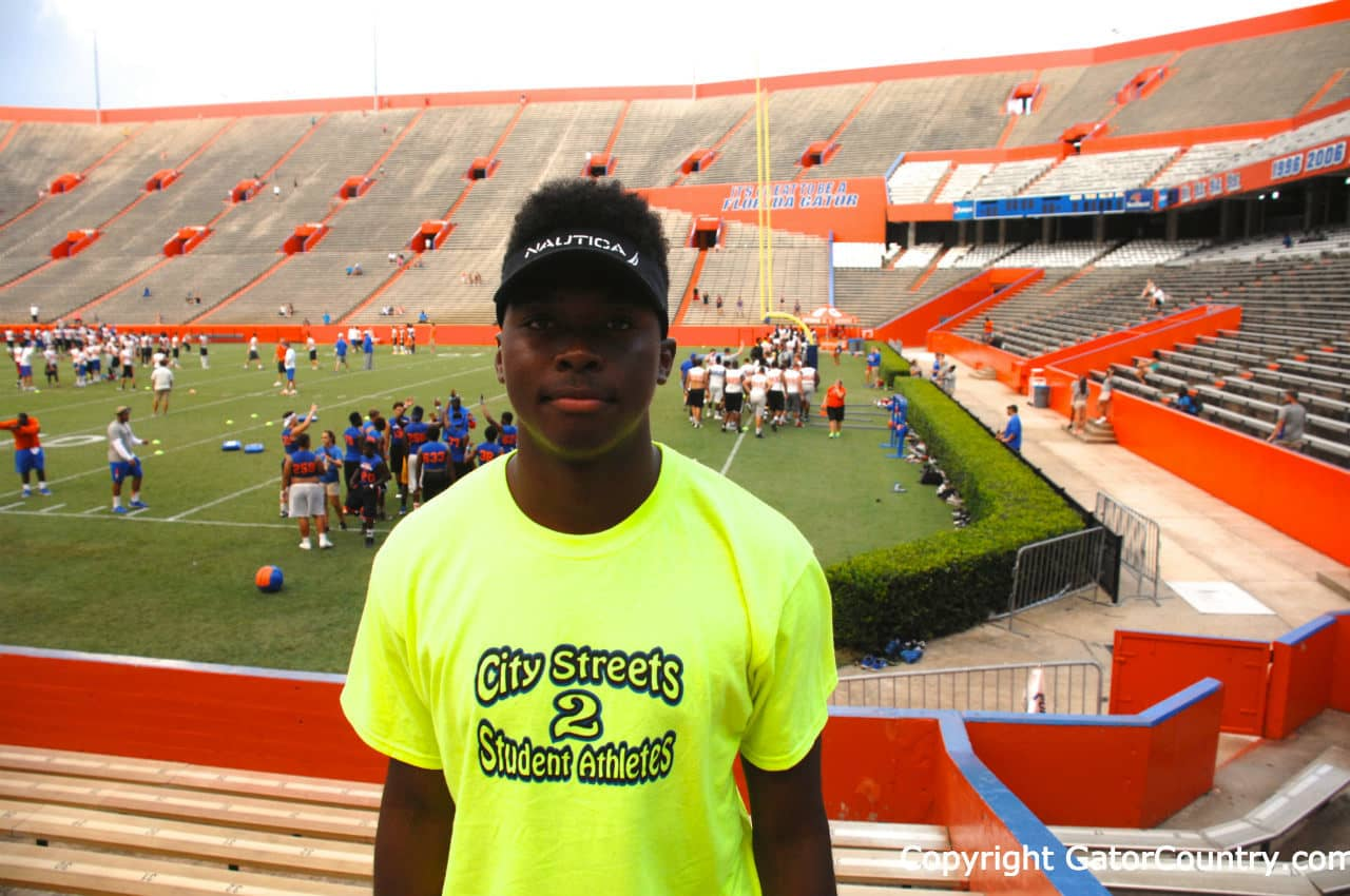 Florida Gators 2017 quarterback target Z'Khari Blocker at Friday Night Lights 2015- 1280x850- Florida Gators Recruiting