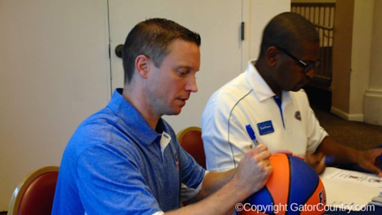 Florida Gators Basketball Head Coach Michael White Signs Autographs 1280x720