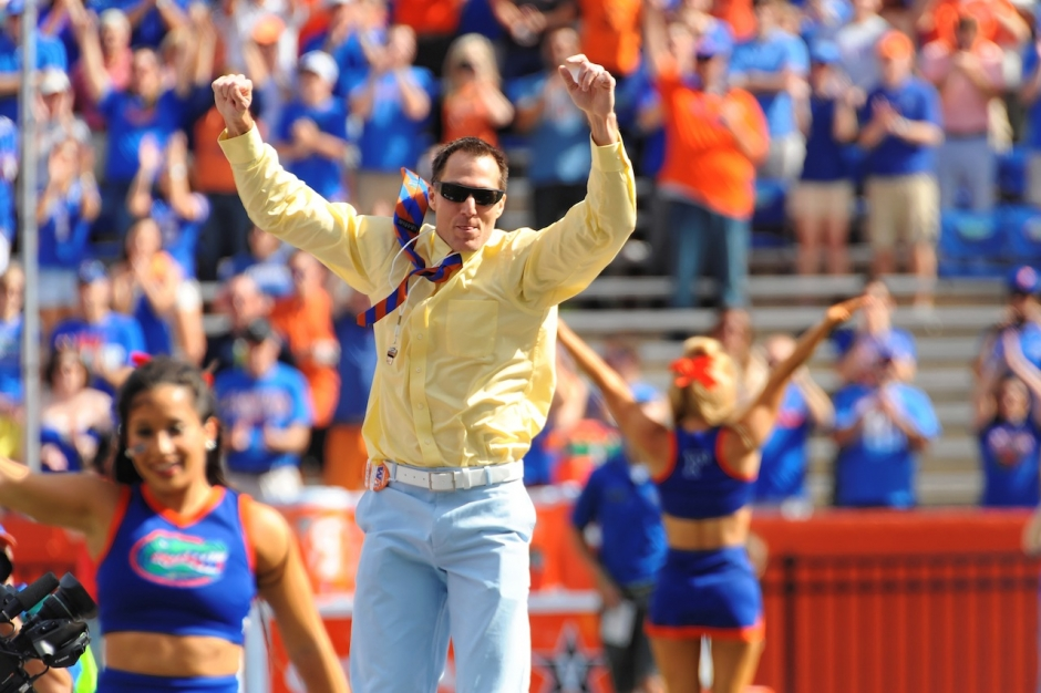 Former Gator Chris Doering As Honorary Mr. Two Bits-Florida Gators Football-1280x852