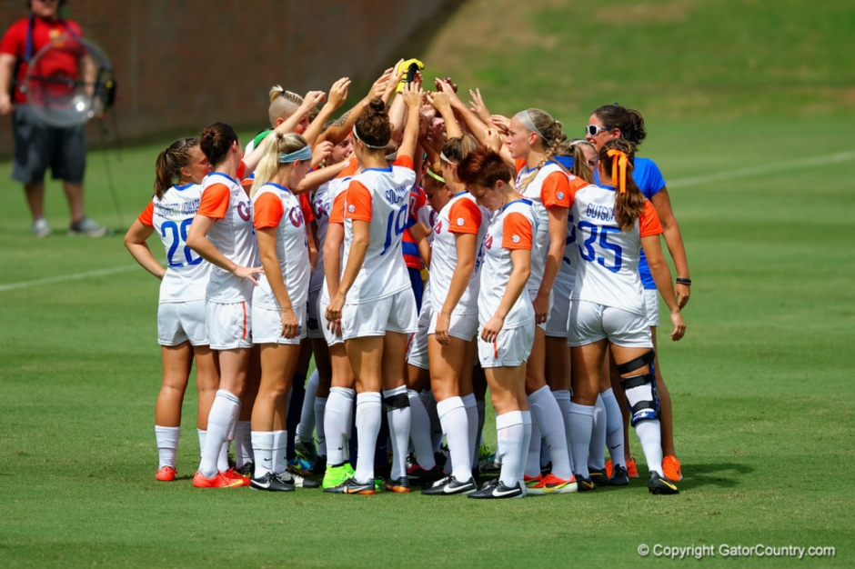 Florida Gators soccer meets as a team- 1280x853