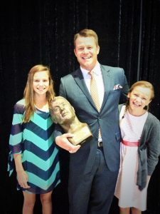 Former-Gator-Linebacker-James-Bates-and-Daughters-at-Florida-Georgia-Hall-of-Fame-768x1024