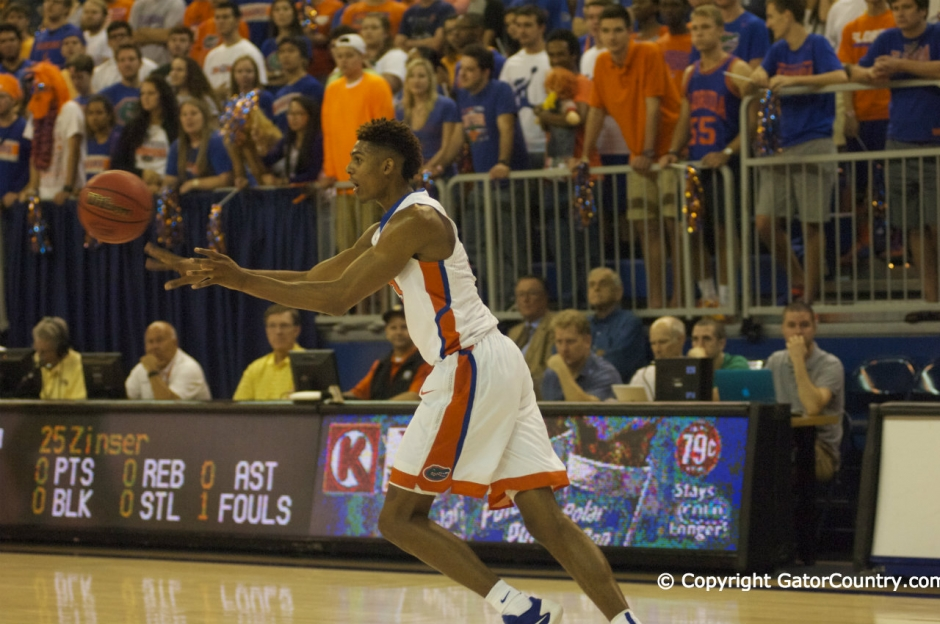 Devin Robinson Makes Pass For Florida Gators Basketball