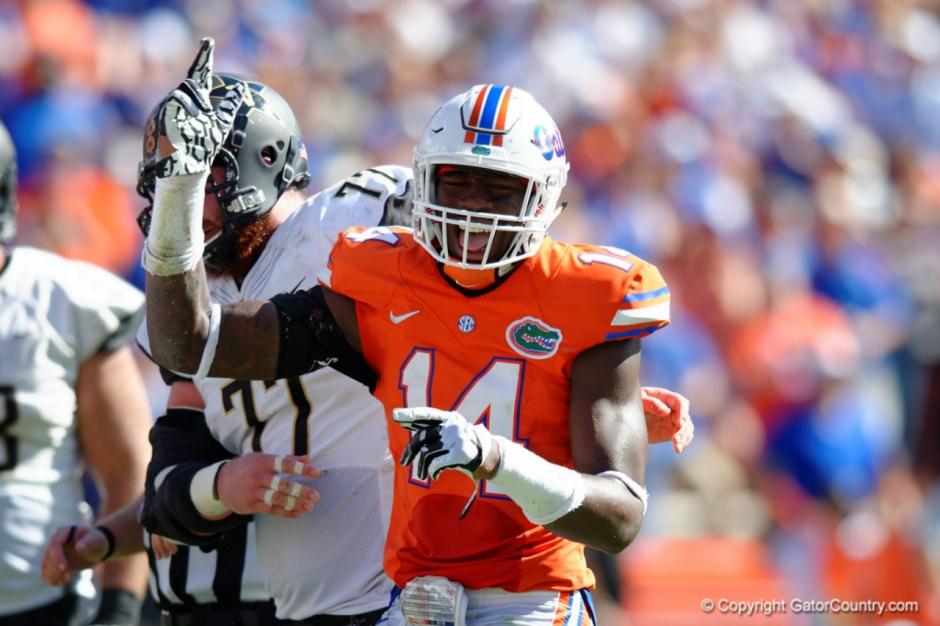 Florida Gators defensive end Alex McCalister celebrates a sack 2015-1280x853