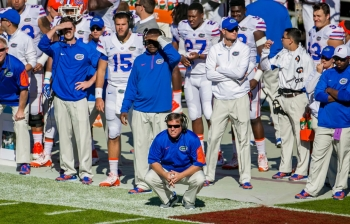 Florida Gators hang on, finish clean slate in the East