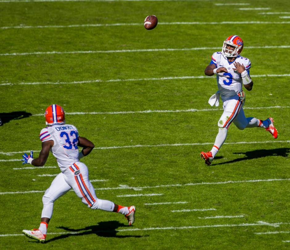 Florida Gators quarterback Treon Harris throws to Jordan Cronkrite- 1280x1106