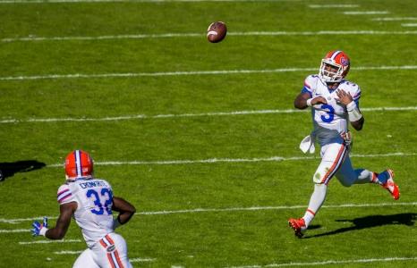 Florida Gators defeat the South Carolina Gamecocks 24-14