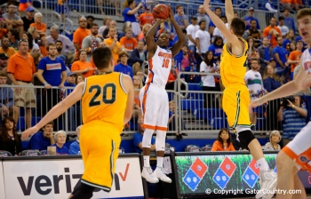Florida Gators basketball Defeats Vermont 86-62