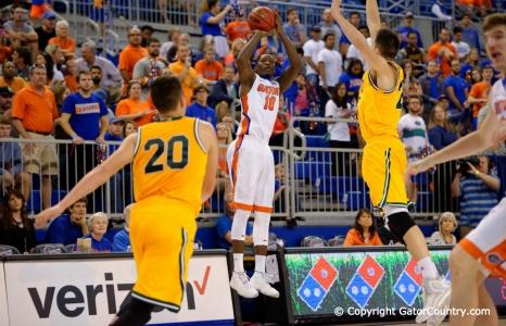 Florida Gators basketball Defeats Vermont 86-62