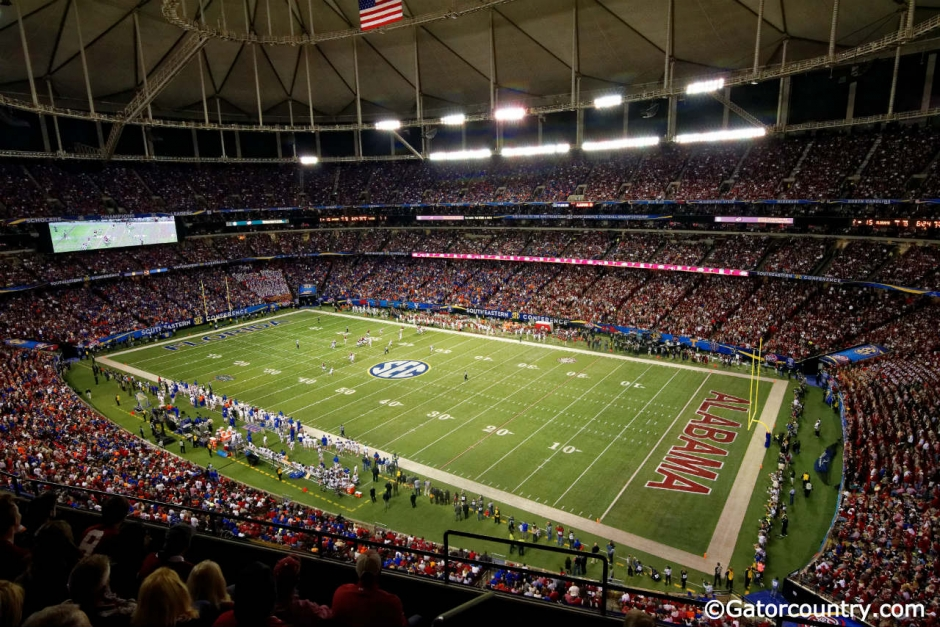 An overview of the Georgia Dome as the Florida Gators and Alabama Crimson Tide play in the 2015 SEC Championship- Florida Gators football- 1280x852