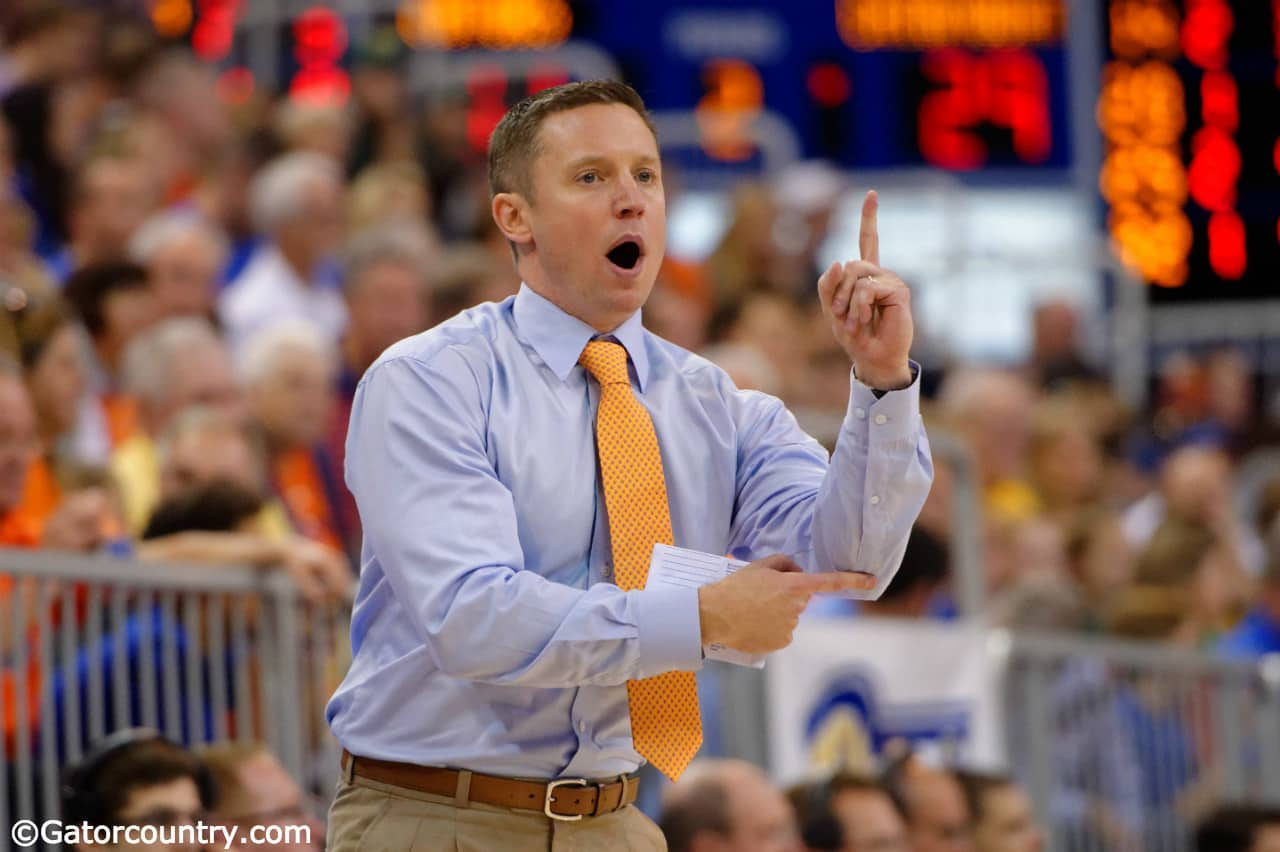 Florida-gators-basketball-coach-mike-white-calls-a-play-during-the-florida-gators-86-62-win-over-vermont-on-november-25-florida-gators-basketball-1280x852