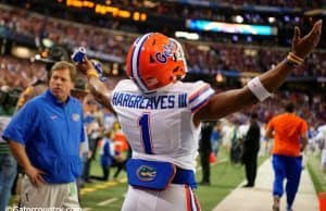 Florida Gators cornerback Vernon Hargreaves takes the field before the Gators game against Alabama in the SEC Championship- Florida Gators football- 1280x852