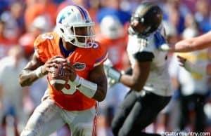 University of Florida quarterback Treon Harris scrambles in a 9-7 win over Vanderbilt- Florida Gators football- 1280x852