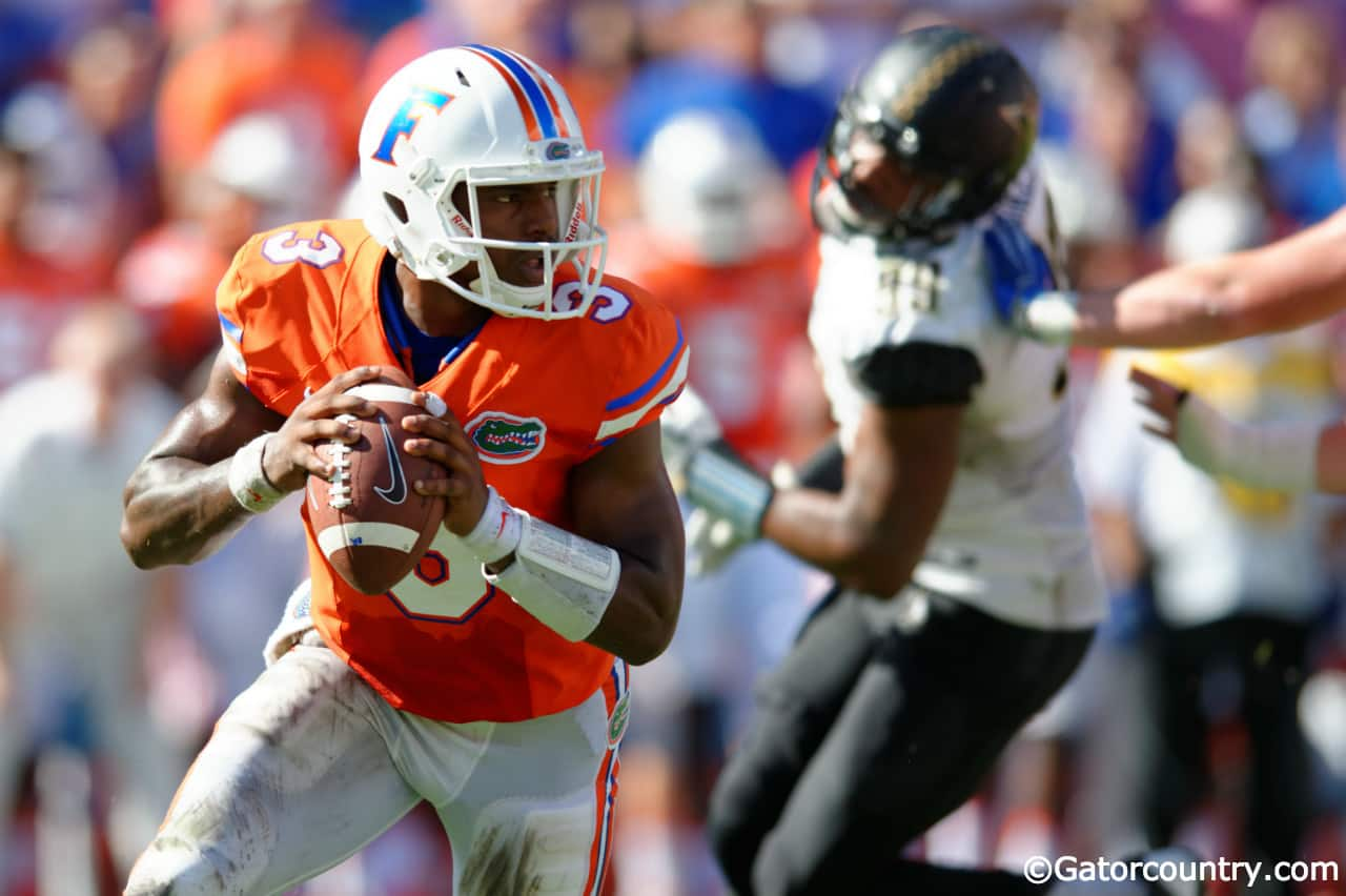 University-of-florida-quarterback-treon-harris-scrambles-in-a-9-7-win-over-vanderbilt-florida-gators-football-1280x852