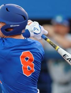 Florida Gators slug past Harvard with 20 hits