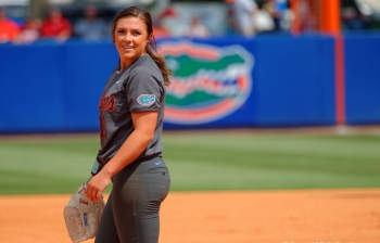 Florida Gators softball advances to regional final