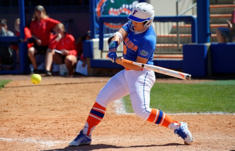 Lorenz home run lifts Florida Gators softball to sweep