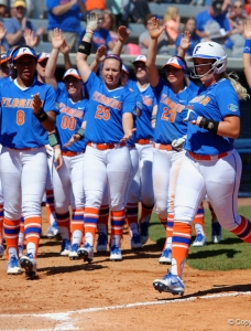 Florida Gators softball remains undefeated: Photo Gallery